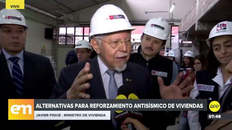 Javier Piqué invocó a la población a seguir las normas básicas de seguridad para construir sus viviendas.