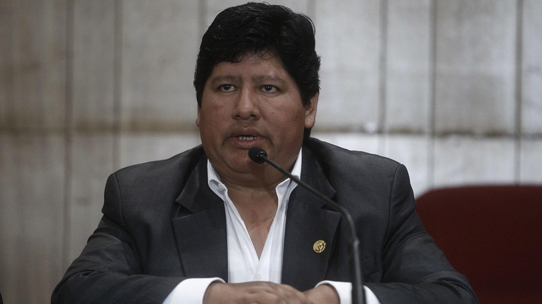 Edwin Oviedo es dirigente de fútbol y empresario peruano.