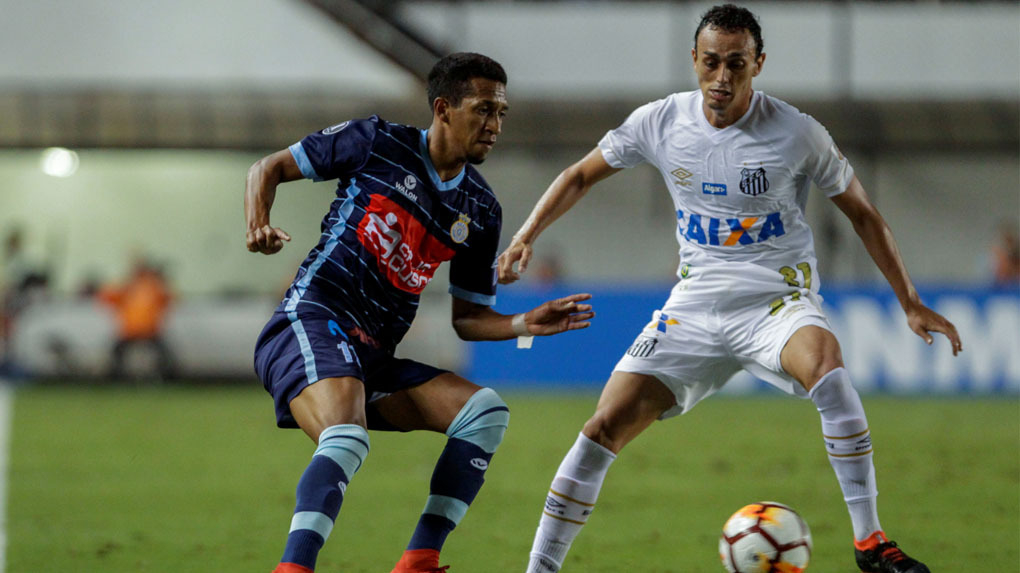 Real Garcilaso empató 0-0 ante Santos en Brasil.