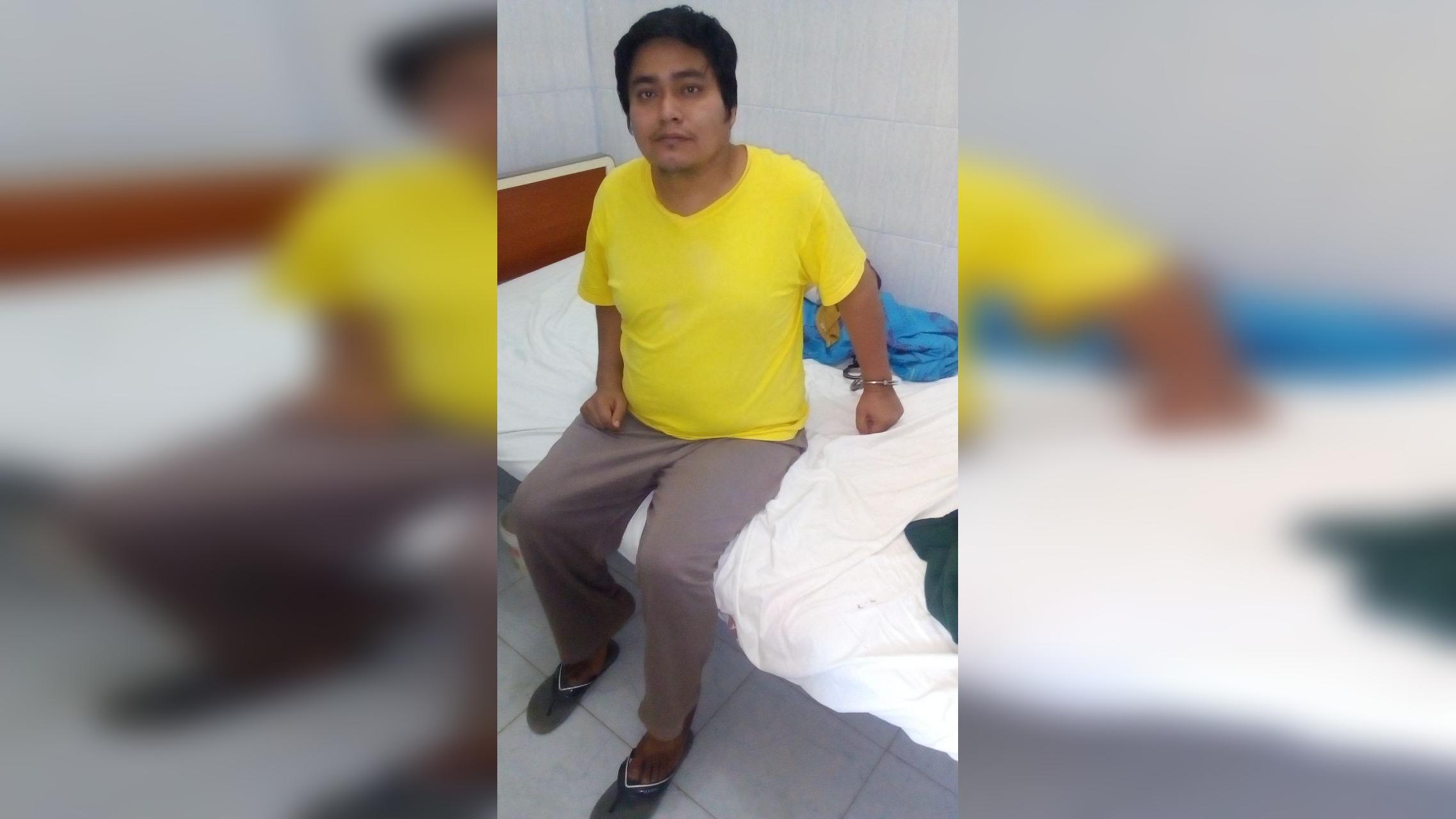 Piden ayuda para internar a su hermano con problemas mentales. Daniel Villanueva Vásquez mató a su padre en el 2014 usando un martillo, hace unas semanas atacó a su madre con una tijera.