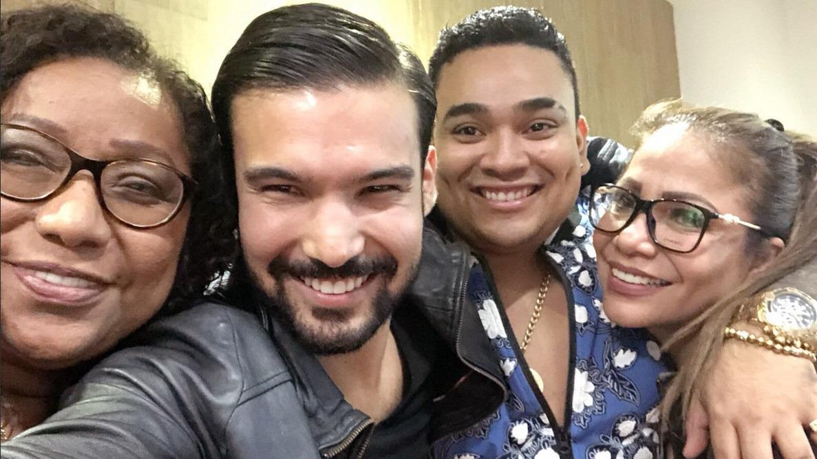 Bartola, Marisol, Josimar y Ezio Oliva presentaron show musical en la despedida de la Selección Peruana.