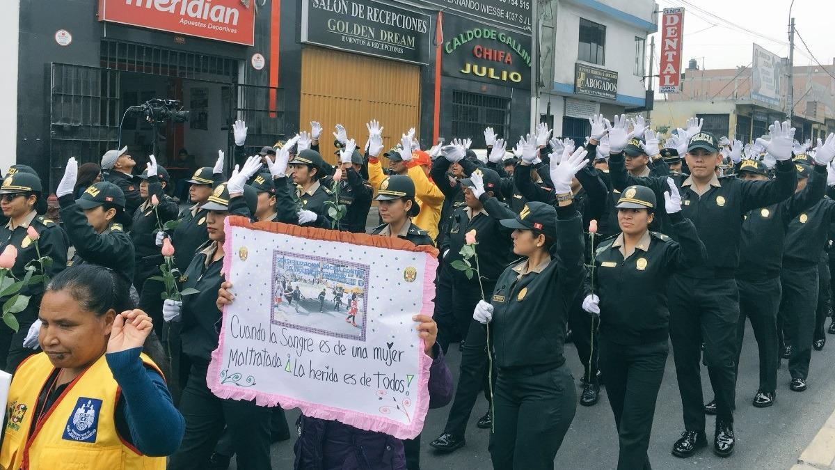 Policía realizó una marcha pacífica.