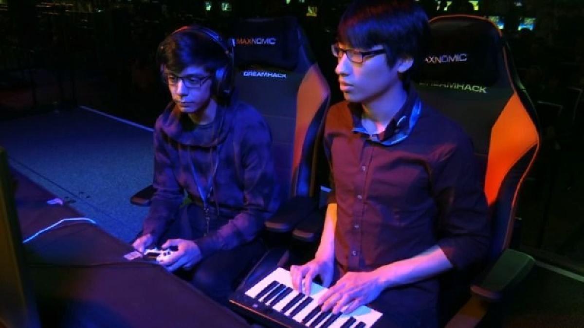 El accesorio en específico era un teclado del juego musical Rockband.