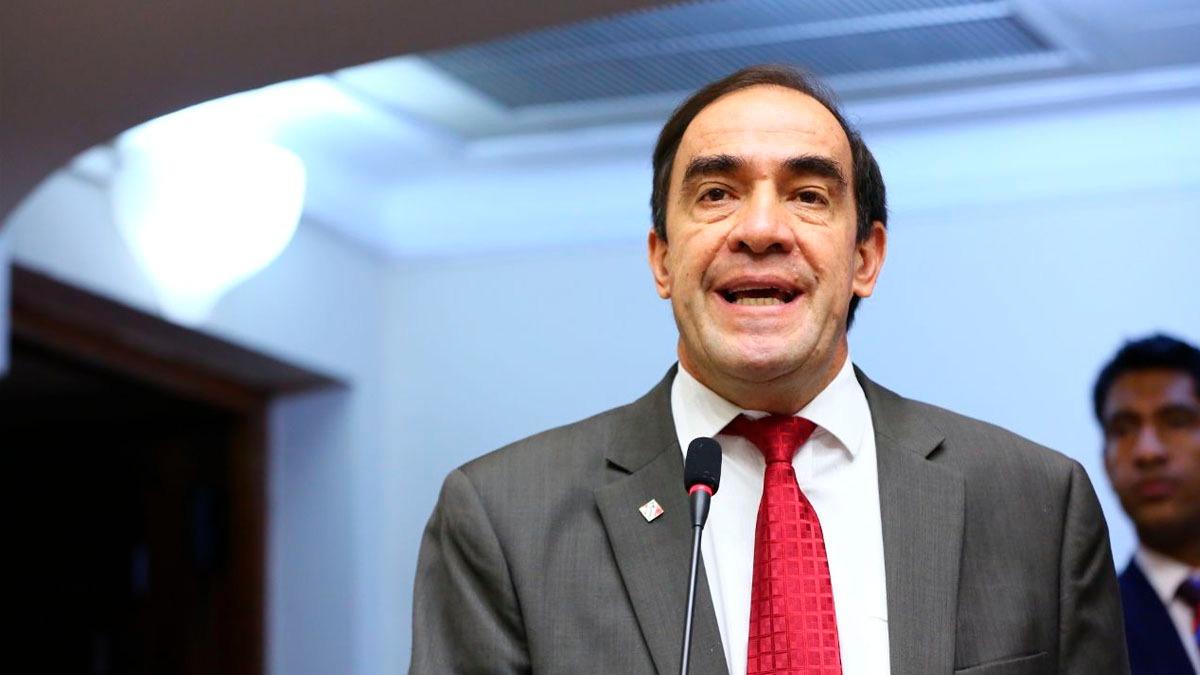 Lescano presentó una moción de censura contra Luis Galarreta.