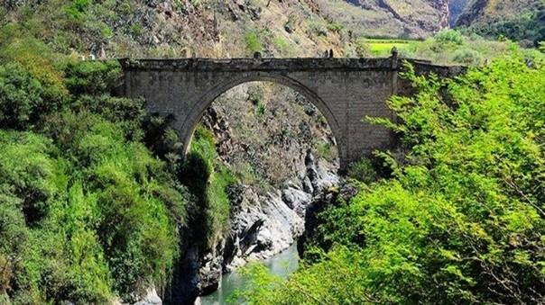 Puente colonial Pachachaca, uno de los más antiguos, ubicado en Apurímac, se encuentra en pésimas condiciones.