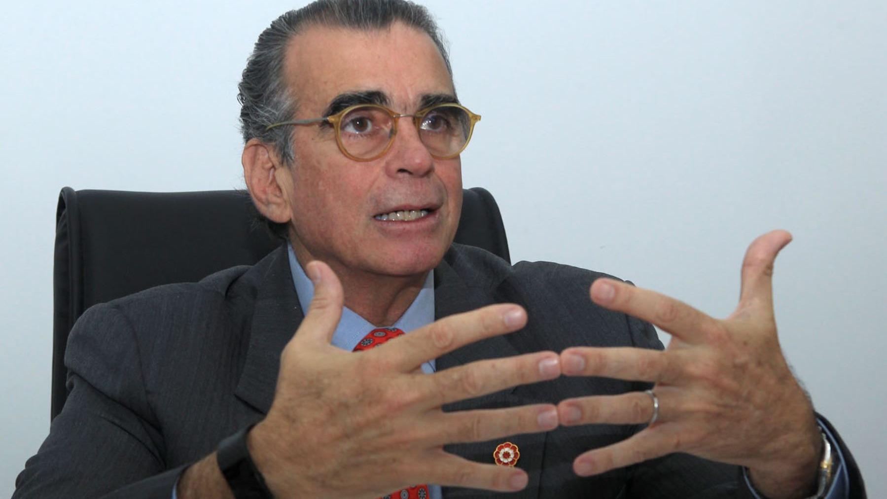El empresario Pedro Oleachea renunció a la bancada de Peruanos por el Kambio.