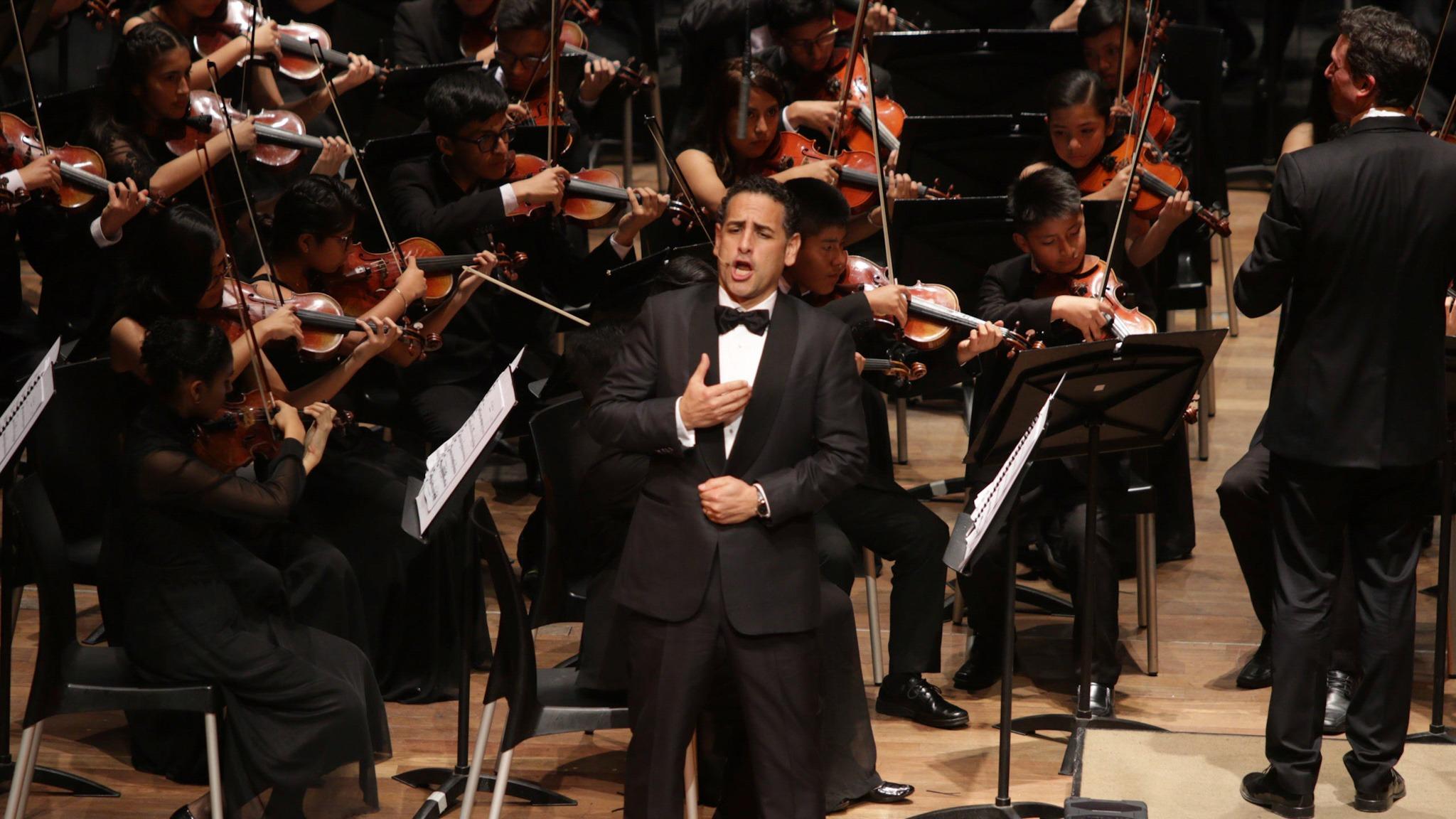 Juan Diego Flórez y Sinfonía por el Perú