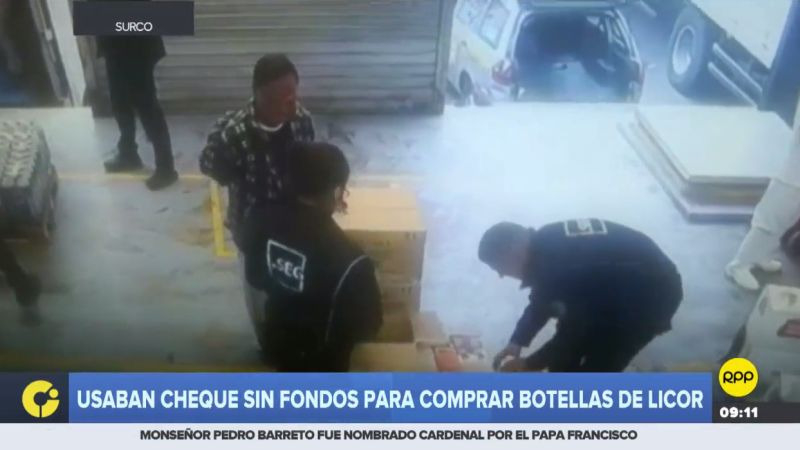 Los estafadores habían comprado 120 botellas de licor con un cheque sin fondos.