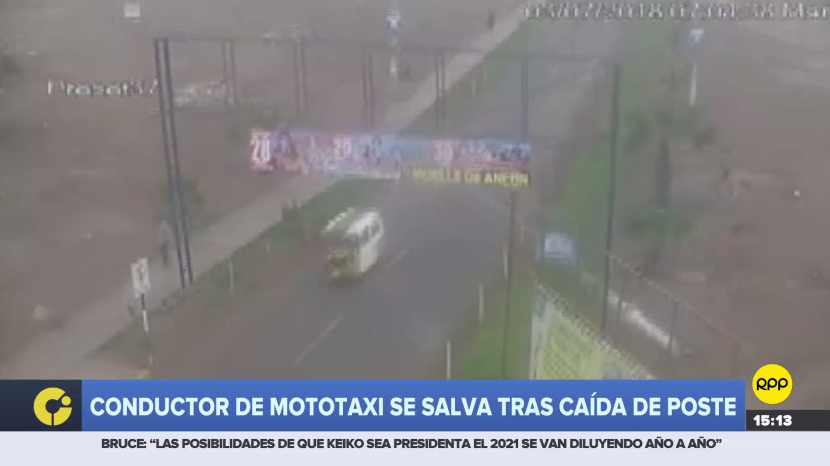 Conductor de mototaxi se salvó tras caída de un poste en Ancón.