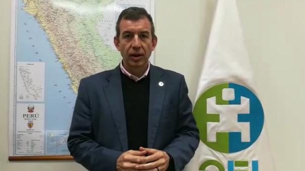 José A. Hernández de Toro explica la importancia de los maestros en contribuir en renovar el sistema educativo.