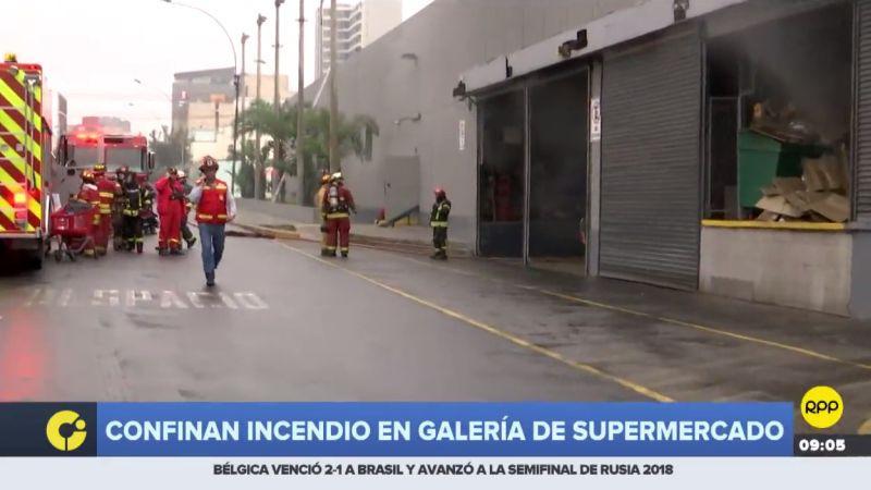 El incendio se produjo tras una fuerte explosión en el horno de la panadería.