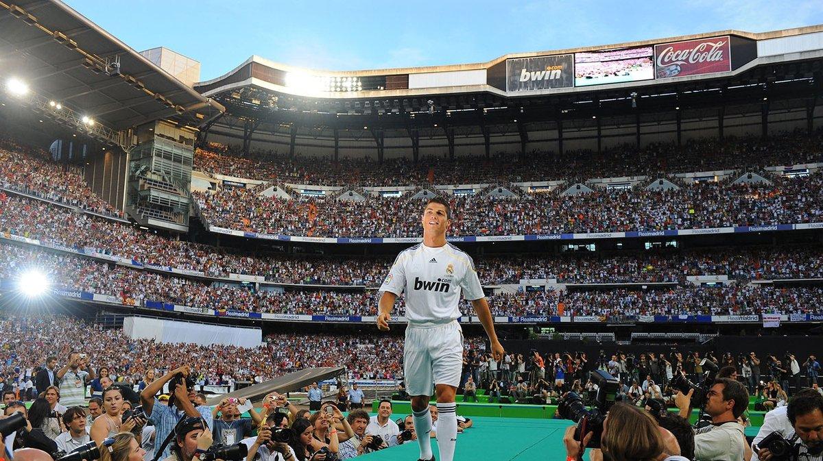 Cristiano Ronaldo se vistió de corto el día de su presentación en el Santiago Bernabéu.