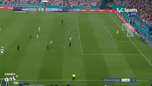 Perú venció a Croacia con goles de André Carrillo y Edison Flores.