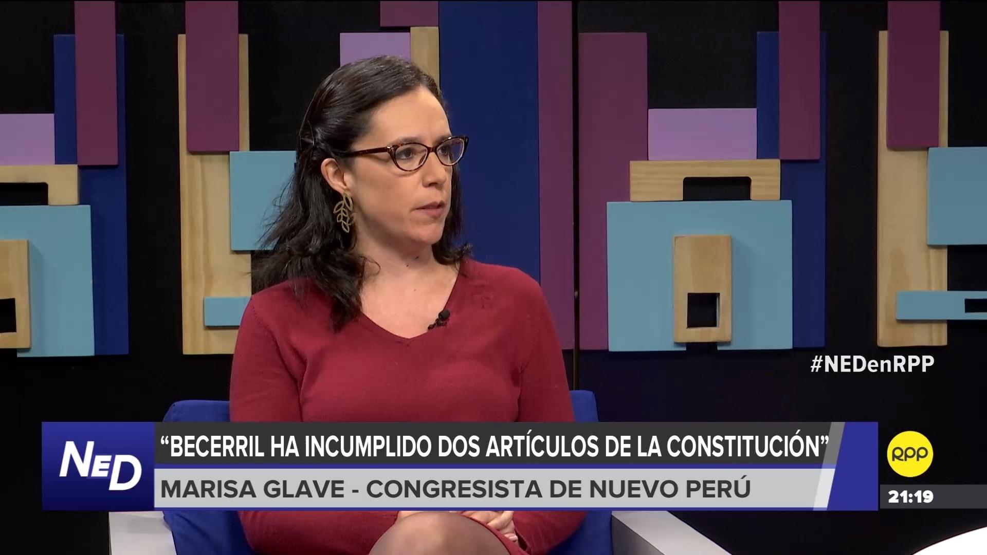 La congresista comparó la situación de Becerril con la de Luz Salgado quien fue censurada en el 2000 por aparecer en un 'Vladivideo'.