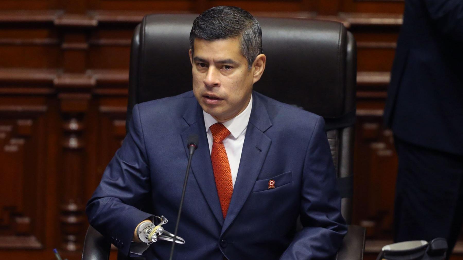 Luis Galarreta se pronuncia sobre acuerdo firmado en su gestión para que Mesa Directiva acceda a beneficios por un año tras dejar el cargo.