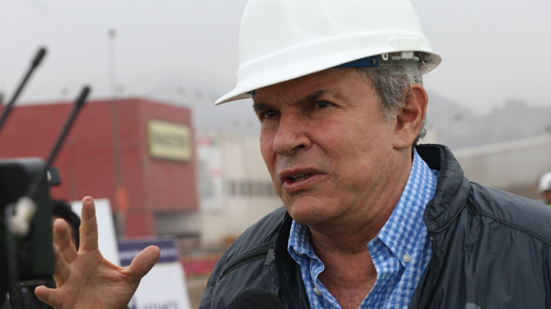 Luis Castañeda Lossio no postulará a la reelección en Lima, ya que la ley lo prohíbe. En su lugar participará Luis Castañeda Pardo, también con Solidaridad Nacional.
