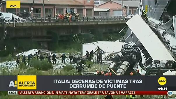 Rescatistas trabajan para ayudar a los sobrevivientes de la tragedia y recuperar los cadáveres.