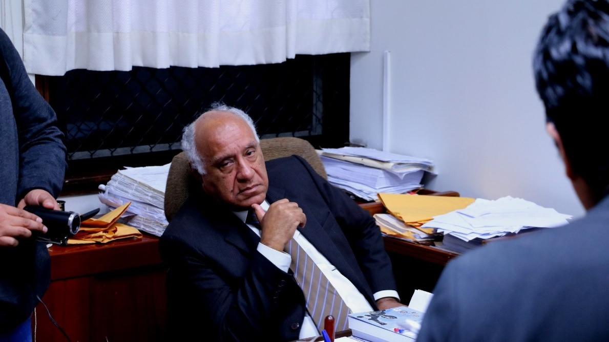 Momento en que intervienen al juez Juan Emilio Gonzales Chávez.