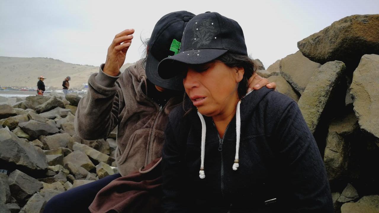 Gladys Mozo, madre del menor, llora la pérdida de su hijo.