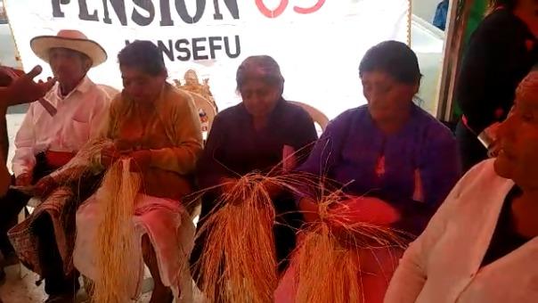 25 pensionistas enseñan sus tradiciones a niños de Monsefú.