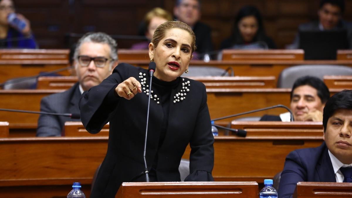 Congreso suspendió por 120 días a Maritza García.