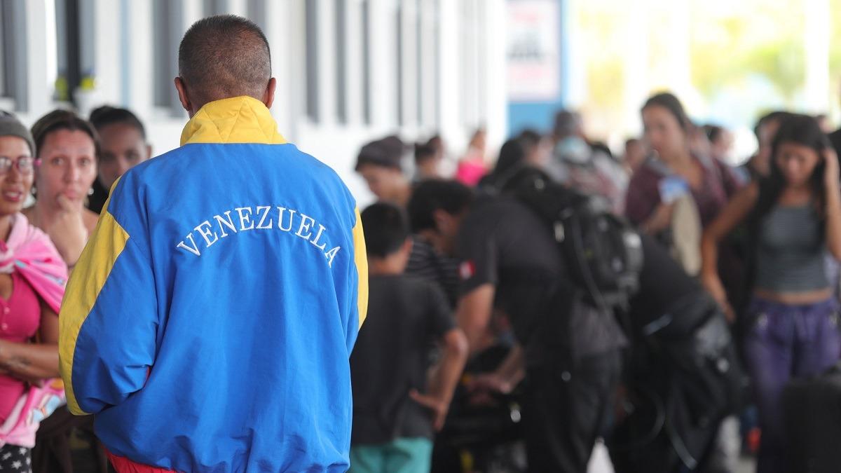 Incertidumbre de venezolanos se vive en frontera de Ecuador con Perú.