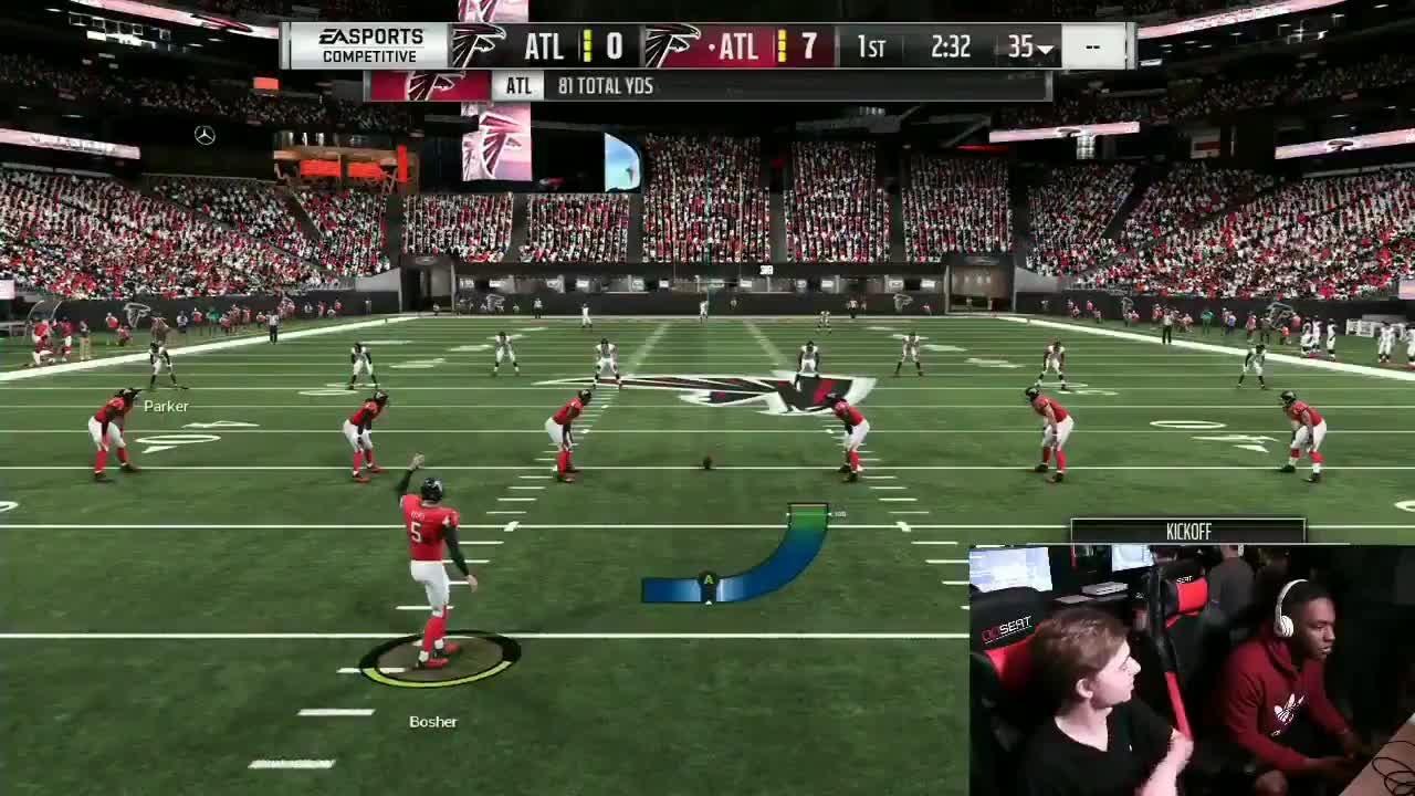 Los balazos se escuchan en medio de una partida entre dos jugadores.