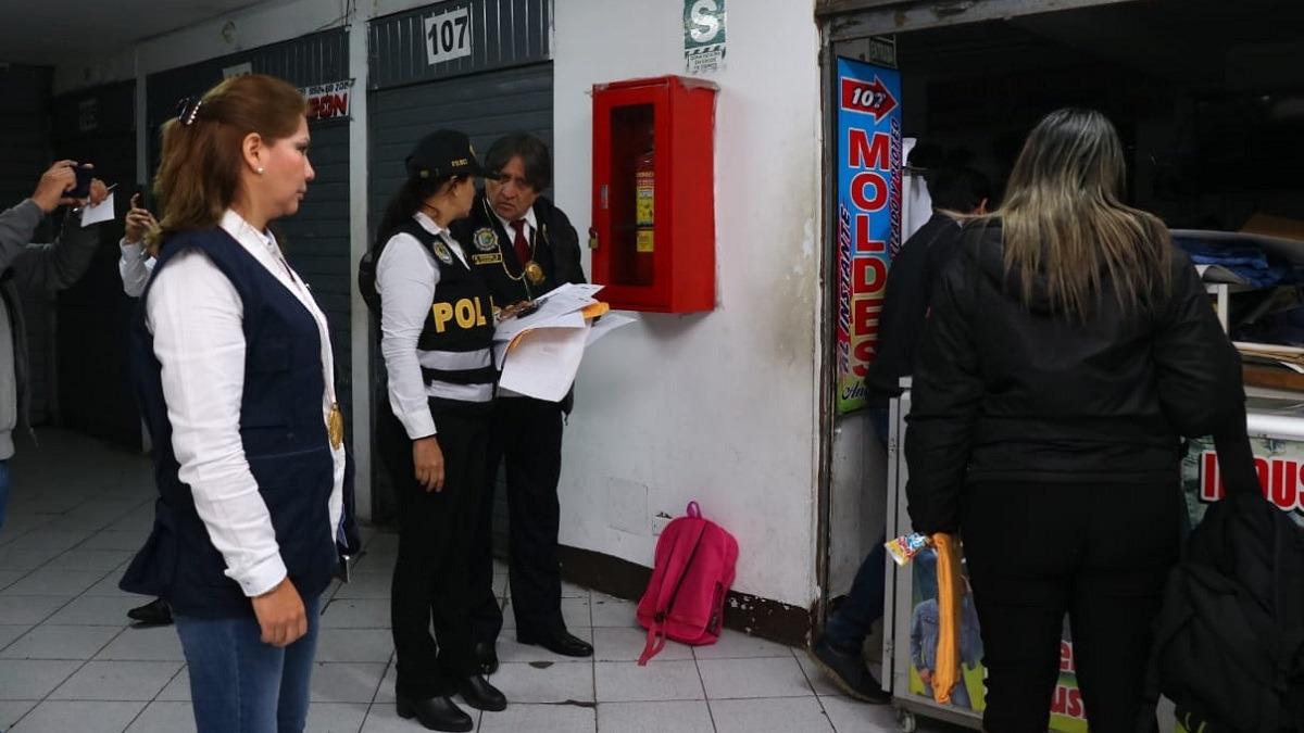 La Fiscalía, con el apoyo de la Policía, realizó operativos en cinco distritos.