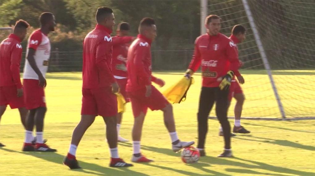 La Selección Peruana ya entrena en el complejo deportivo del AZ Alkmaar.