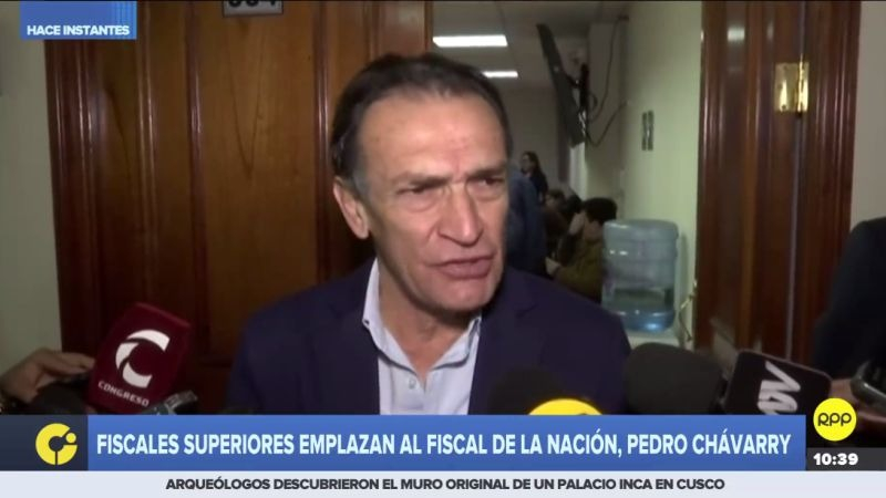 Héctor Becerril negó que haya una persecución política contra el presidente Martín Vizcarra.