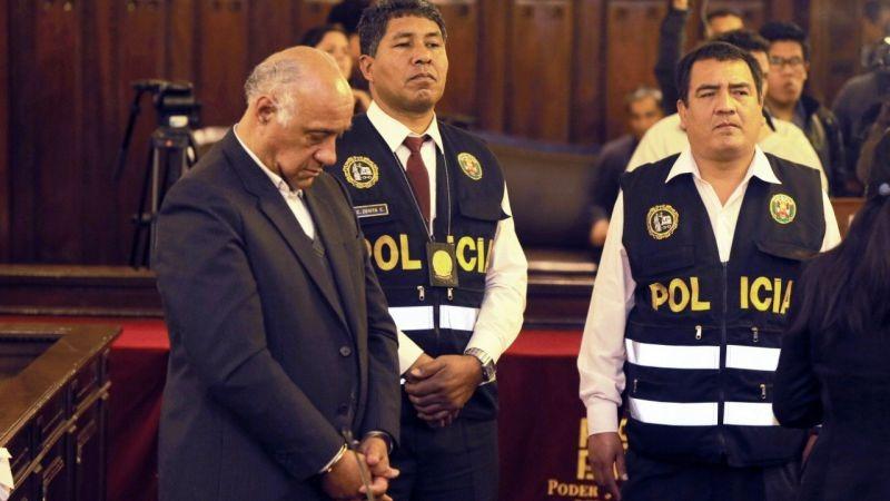 Juan Emilio Gonzáles Chávez pidió S/ 30.000 para beneficiar a personas procesadas por el delito de estafa.