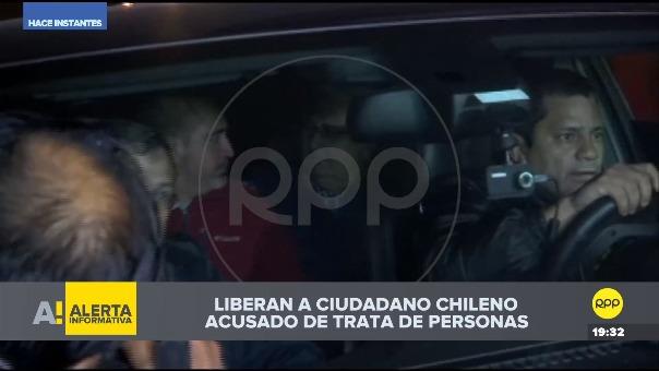 Jorge Tovar en un vehículo tras ser liberado del penal Sarita Colonia del Callao.