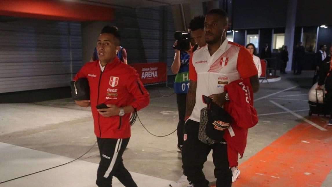 Así fueron recibidos los jugadores de la Selección Peruana en el Aeropuerto Jorge Chávez.