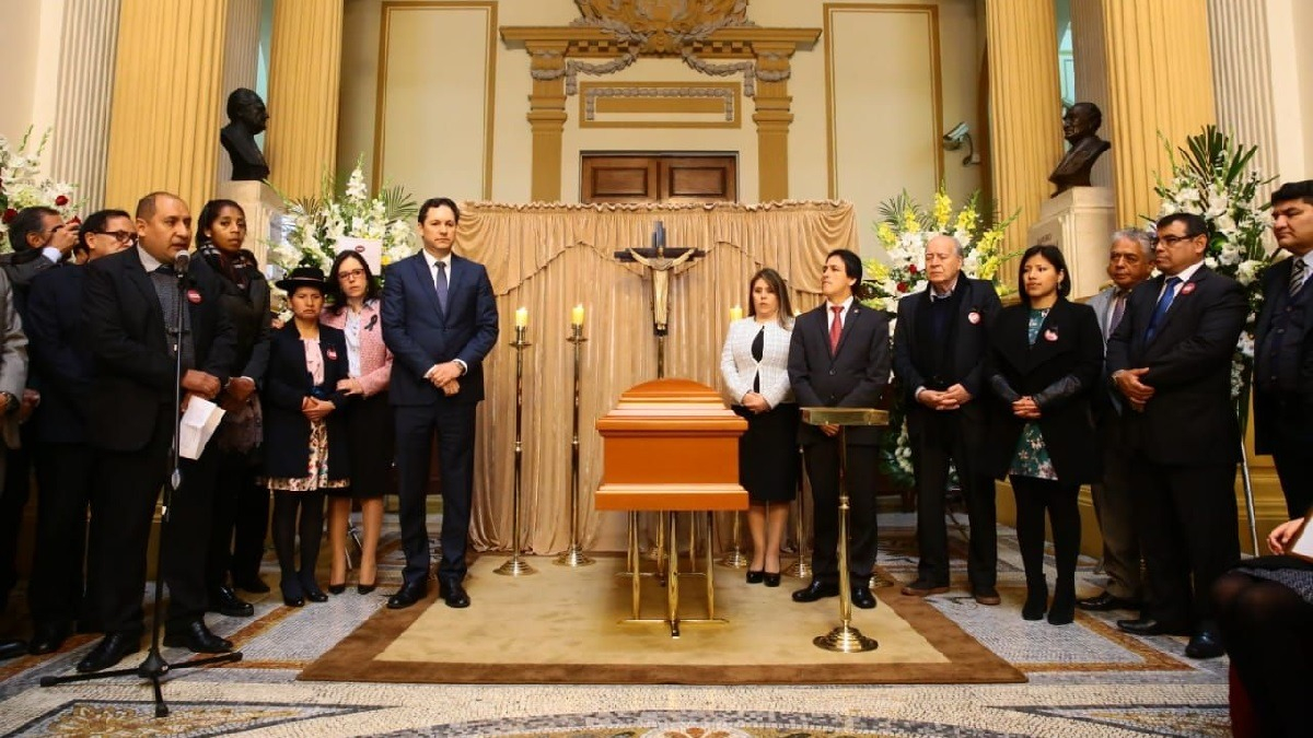 Congreso realizó homenaje póstumo a Mario Canzio.