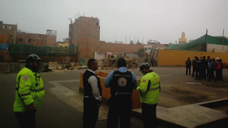 El gerente municipal comentó que el derrumbe una estructura colindante a un condominio.