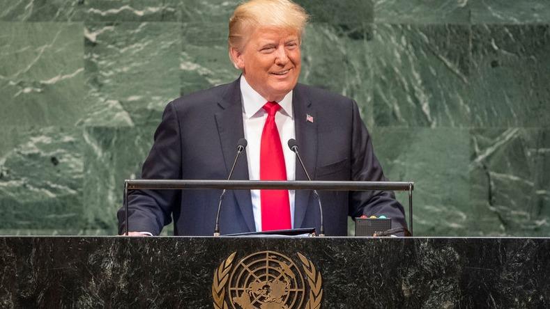 El mandatario estadounidense se tomó con buen humor la reacción de la audiencia.