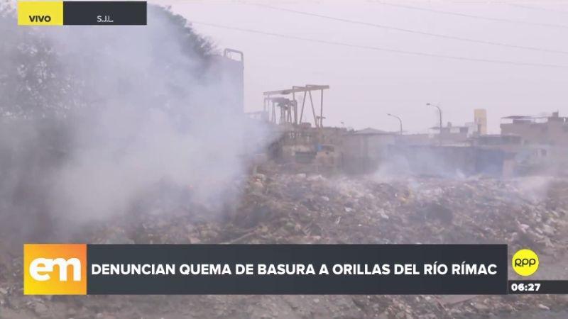 Según los vecinos, la quema de basura ocurre desde hace años.