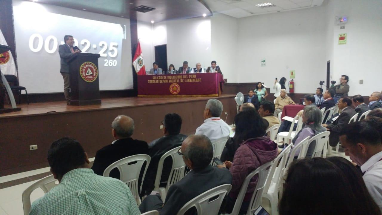 Debate fue organizado por el Colegio de Ingenieros de Lambayeque.