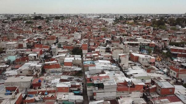 Un barrio que veía las cosas complicadas ahora afronta la poblemática de la economía argentina, ahora su mil 200 familias se encuentran en una situación aún más difícil.
