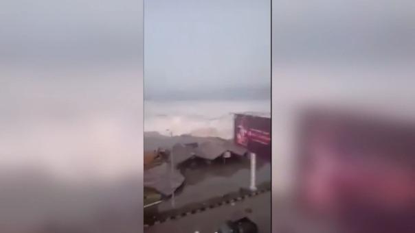 Un posterior tsunami sacudió la isla de Célebes el viernes pasado en Indonesia.