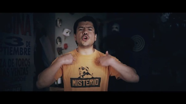 Pietro Sibillie en el videoclip de