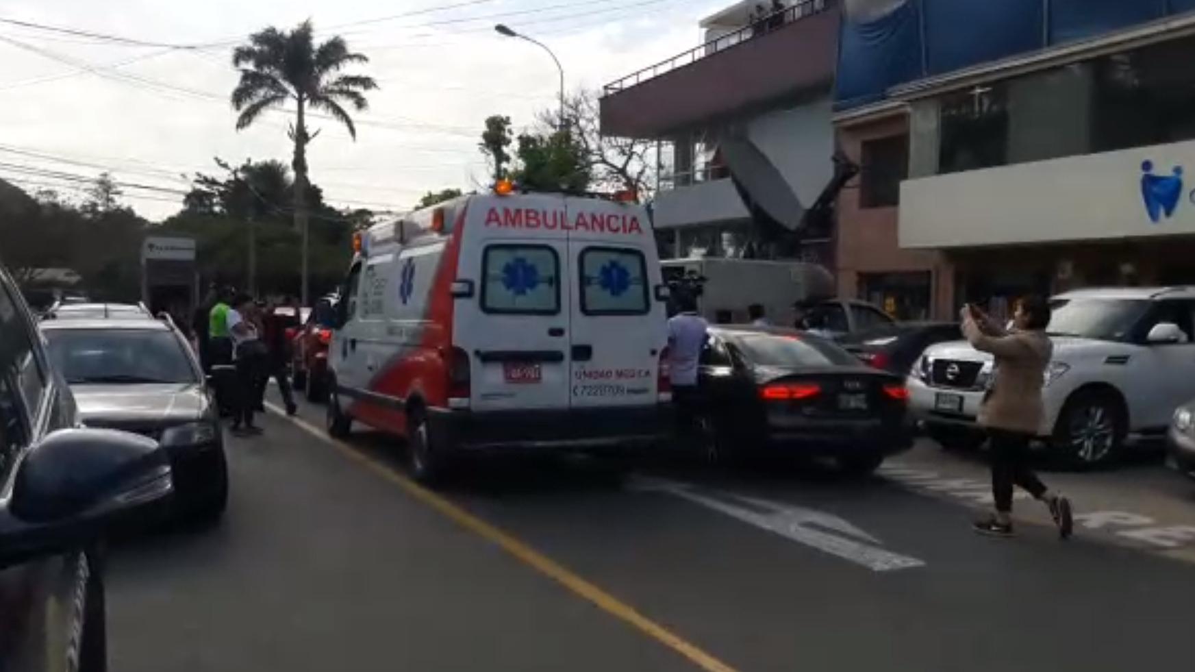 En esta ambulancia llegó Kenji Fujimori