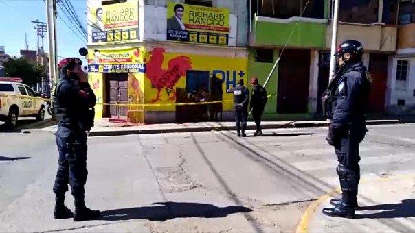 Reportaron pintura roja en la puerta del local partidario Fadep en la ciudad de Puno.