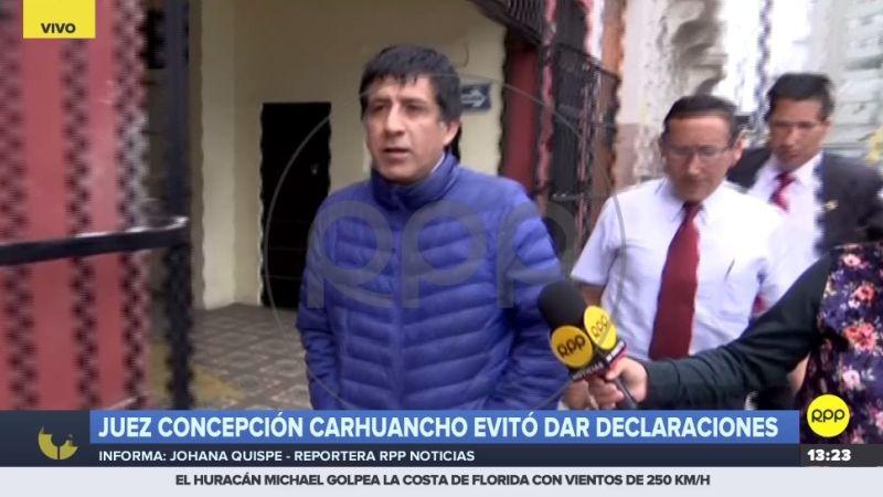 Richard Concepción vestía ropa casual y estaba acompañado de dos efectivos de su seguridad personal.