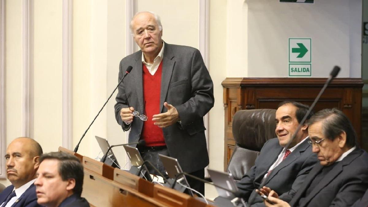 García Belaunde criticó el trámite que siguió la ley de arresto domiciliario para adultos mayores.