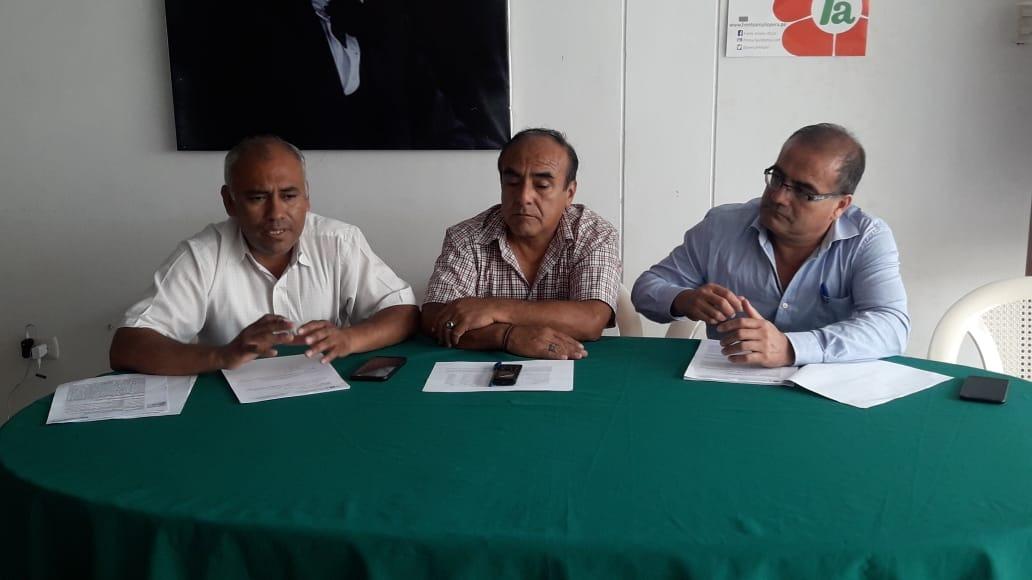 Dirigentes de los trabajadores de la empresa Tumán.