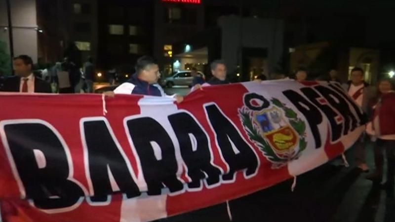 Hinchas se juntaron para realizar un banderazo antes del Perú vs. Estados Unidos.