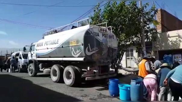 Vecinos de Cerro Colorado denunciaron falta de camiones cisterna.