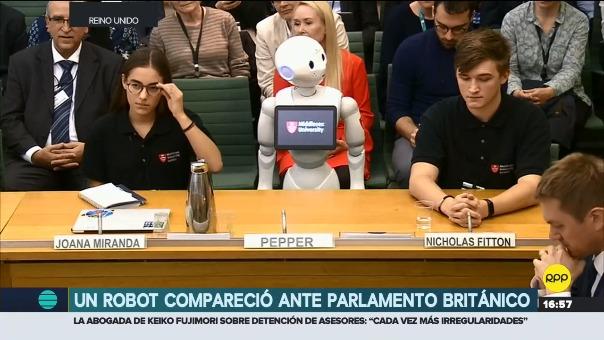 El robot Pepper es el primero en hablar frente al Parlamento de Reino Unido.