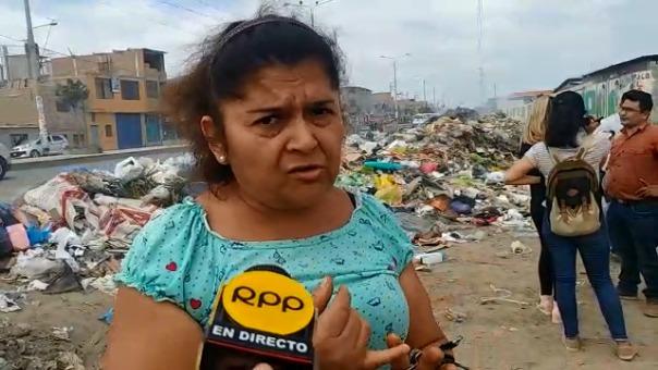 Vecinos cuestionaron deficiente servicio de limpieza en avenida Agricultura.
